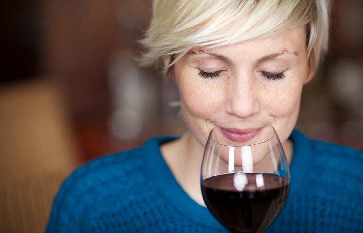 BENEFICIOS Y PRECAUCIONES DEL ALCOHOL